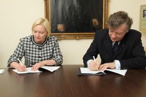 Lîguma parakstîðana ar Exigen Services Latvia.